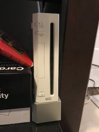 White nintendo wii game console Bakersfield, 93305