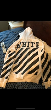 white and black stripe crew-neck shirt Alexandria, 22314