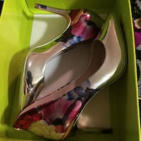 Ted Baker brand new size 8 available $60 Toronto