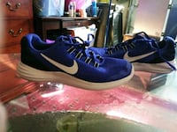 pair of blue Nike low-top sneakers Dublin, 94568
