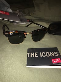 LIKE-NEW RAYBAN CLUBMASTERS Clemson, 29631