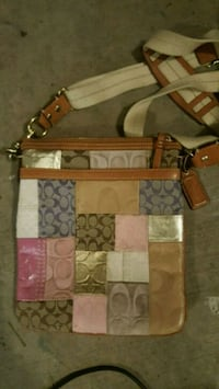 Coach purse (real) Pacific, 98047