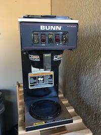 BUNN VP17-2 commercial coffee maker with warmer on top Vancouver, V5S