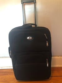 Great carry on bag. About 19 inches. Great condition. Easton, 18042