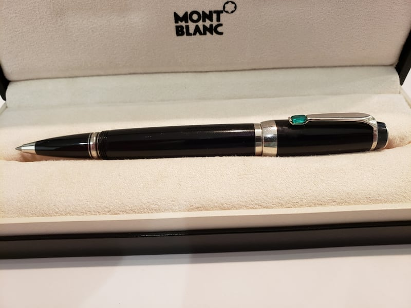 Montblanc Boheme Pen with green jewel 595187b4-e5fd-4924-8102-379b9257f58b