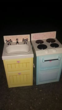 Both for 8$- Play kitchen Stove and Sink Alexandria, 22302