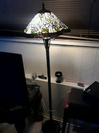 black and white floor lamp Langley, V1M 1Y7