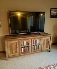JUST THE TV STAND!!NOT THE TV!!!!  Gladewater, 75647