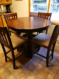 dining table and 6 chairs  Canton