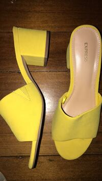 Size 7 express shoes  Arlington Heights, 60004