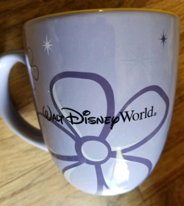 Very large Disney Parks mug e59246fe-0b5f-4e9a-8d32-8a9cd5386bb0