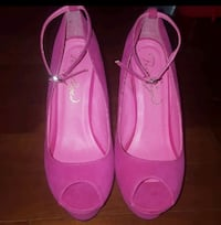 pair of pink leather flats Perth Amboy, 08861