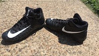 foot ball cleats size 10 Evansville, 47710