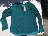 BRAND NEW WITH TAG Levi's teal blouse (silk style) Large/ Chemisier Levi's pour femme large Montréal, H8T 2W2