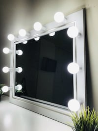 Gorgeous makeup mirror with lights Chicago
