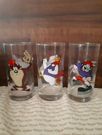 Vintage Looney Toons Smuckers glasses.  Whitby, L1P 1A2