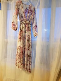 women's pink and blue floral long sleeve dress Mississauga, L5A 2E9