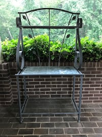 black and gray metal rack Woodbridge, 22193