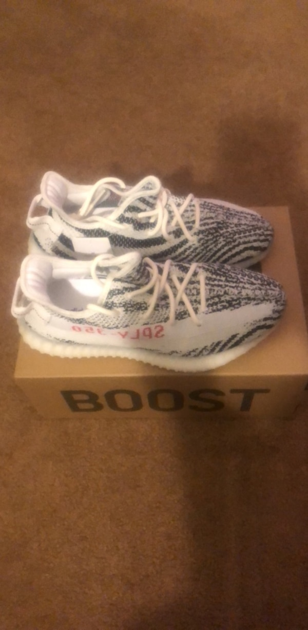 great fit e8bad 0657e Yeezy Boost 350