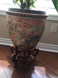 Chinese Flower Pot with Stand Vaughan, L4L 9H9