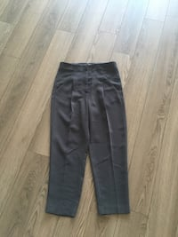 Aritzia Dark Grey Cropped Pants Size 2