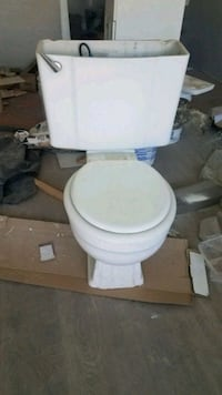 Toilet negotiable pricing like new