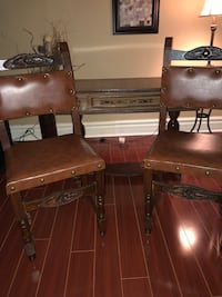 Antique Maltese side table and 2 chairs Innisfil, L0L