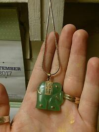 Elephant emerald/gold necklace Great Falls, 59405