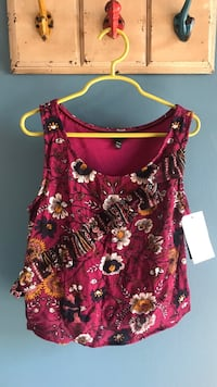 red and white floral scoop-neck sleeveless top Norwalk, 90650