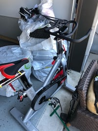 Spinning bike like new original cost 800$ Laval, H7G 0E4