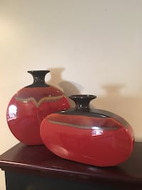 Burnt Red and black decorative  vases Niskayuna, 12309