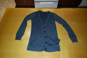 Button-up sweater with pockets size medium