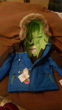 OshKosh  size 4T boys winter jacket with matching gloves and tuke Abbotsford, V2S 5A1