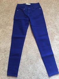 Blue straight-cut jeans