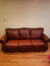 Leather sofa for sale Hyattsville, 20785