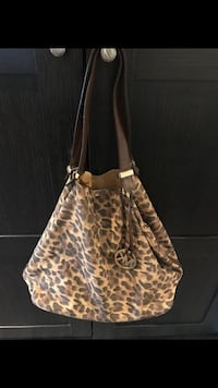 Authentic Michael Kors Handbag Mississauga, L5H 1V9