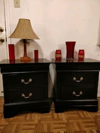 Like new 2 black night stand in great good conditi 33 km