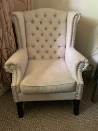 Classic White Arm Chair San Jose, 95117