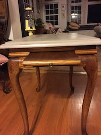 Oak side table with 2 pullouts (tea table)