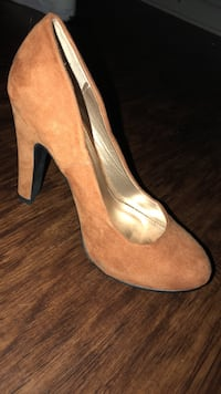 pair of brown suede platform stilettos Pelham, 35124