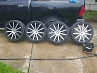 22inch rim and tires Detroit, 48219