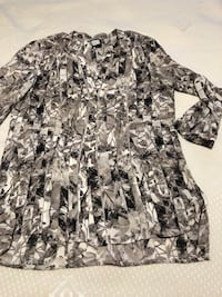 gray and black floral long-sleeved shirt Toronto, M6H 4B9