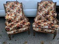Pair of chairs Painesville, 44077