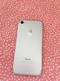 iPhone 7 - 128gb - Unlocked  Mississauga, L5B