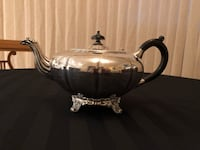 Vintage Silver Played Footed Tea Pot with Black Handle Markham, L3T 3L4