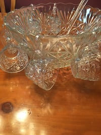 Glass punch bowl set with ladle and 8 glasses and hooks