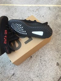 Bred yeezy size 8  Houston, 77028