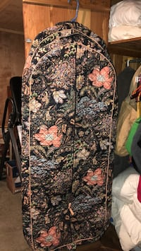 2 Vera Bradley hanging garment clothing bags $25 each. Never been used.