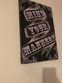 black and white Mind Yours Manners wallpaper