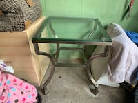 Pick up today indoor outdoor end table Monroeville, 15146